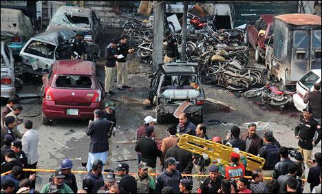 Pakistan-lahoreSuicideblast-5killed_2-17-2015_175388_l