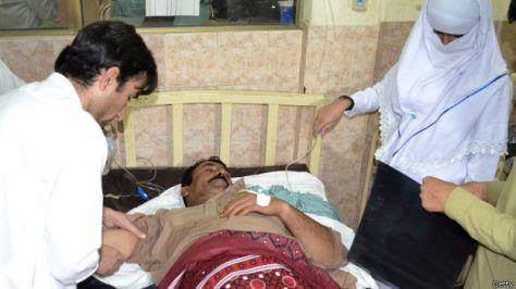 150529233200_pakistani_paramedics__624x351_getty