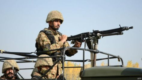 150615061004_pakistan_army_soldier_624x351_afp