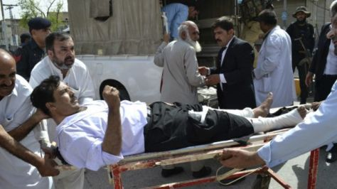 160808070452_quetta_hospital_blast_640x360_ap_nocredit
